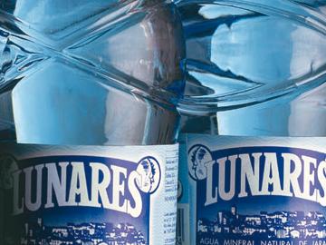 Diseño de gama de botellas para Lunares